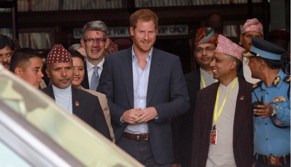 Prince Harry in ‪Nepal